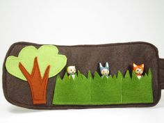 Mini Woodland roll up and play mat with three mini Forest Friends Figures, wool felt toy, Waldorf Inspired, wooden peg doll, handmade toy