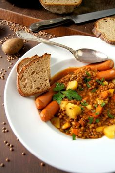 Der gute alte Linseneintopf / Das Rezept findet sich auf unserer Website // Traditional German Lentil Soup / You can read over the entire recipe on our website   Guten Appetite!