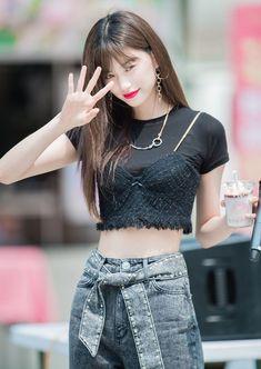 Kpop Fashion, Daily Fashion, Korean Fashion, Fashion Outfits, Airport Fashion, Vaporwave, Kim Doyeon, Ulzzang Girl, Kpop Girls