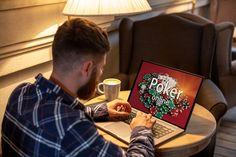 Suchen Sie nach einer Möglichkeit, Online-Poker mit Ihren Freunden zu spielen und Ihre Heimspiele in der Zeit der gesellschaftlichen Distanzierung am Laufen zu halten? Einige der besten Online Pokerseiten bieten Ihnen alles, was Sie brauchen, um einen privaten Pokerclub zu gründen, Leute einzuladen, um dort mit Ihnen zu spielen und mit Ihren Freunden kostenlos und um echtes Geld online   #Freizeit #Hobby #Poker Matt Damon, Apps, Online Poker, Playing Cards, Sport, Friends, Money, Deporte, Playing Card Games