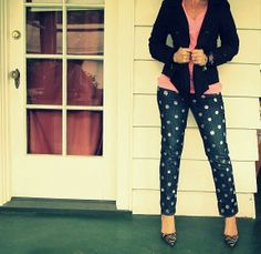 Wobisobi: Seeing Spots. Polka Dot Jeans, DIY So darned cute! Diy Clothes And Shoes, Clothes Crafts, Diy Clothing, Clothes For Women, Style Clothes, Polka Dot Jeans, Polka Dots, Diy Fashion, Autumn Fashion