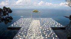 #wedding #weddingideas #weddinginspiration #petals #flowers #weddingdecorations #weddingdecorationideas