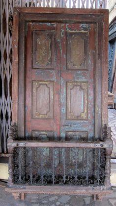 http://www.ebay.de/itm/altes-indisches-Fenster-Balkon-200-97-34-cm-/351345989255?pt=LH_DefaultDomain_77