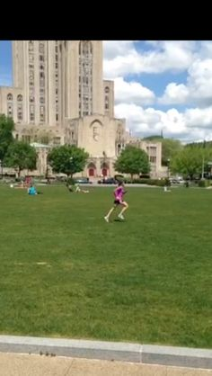 Running at Schenley Plaza in Oakland, Pittsburgh. A beautiful day & an easy run. Did some strides to work on form.