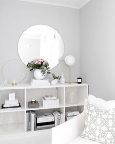 Grey wall decor ideas living room with grey walls grey wall living Light Gray Bedroom, Grey Bedroom Paint, Grey Walls Living Room, Light Gray Paint, Light Grey Walls, Paint Colors For Living Room, Living Room Decor, Bedroom Decor, Grey Paint