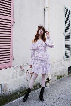 2e3a316335e70 A l'Auberge du Moulin Vert   Miss Pandora - Louise Ebel Pandora, White