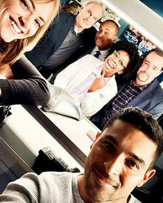 I can't handle this right now, why did Abby have to leave? Serie Ncis, Ncis Tv Series, Leroy Jethro Gibbs, Gibbs Ncis, Ncis Cast, Sean Murray, Wilmer Valderrama, Ncis New, Michael Weatherly
