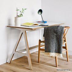 письменный стол из ламинированной фанеры