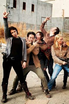 Love this show! WALKING DEAD