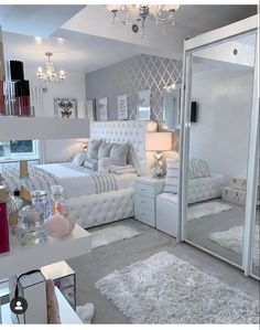 Cute Bedroom Decor, Bedroom Decor For Teen Girls, Room Design Bedroom, Stylish Bedroom, Bedroom Ideas, Luxury Rooms, Luxurious Bedrooms, Beauty Room Decor, Cozy Room