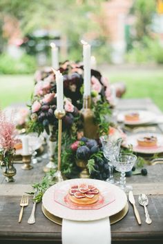 Fig and gold themed tablescape  | Onelove Photography | see more on:  http://burnettsboards.com/2014/03/fig-gold-wedding-coolest-bar/