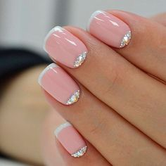 French Nail Art designs are minimal yet stylish Nail designs for short as well as long Nails. Here are the best french manicure ideas, which are gorgeous. French Nail Art, French Tip Nails, Short French Nails, Nailart Glitter, Nail Lacquer, Nail Polish, Nail Patterns, Fall Nail Designs, Super Nails