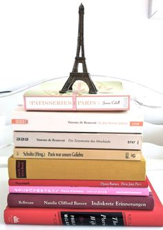 Paris and books, love