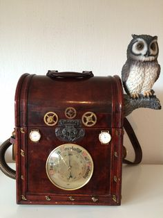 steampunk case  http://steampunk-heaven.nl/product/steampunk-case-10-met-uiltje/