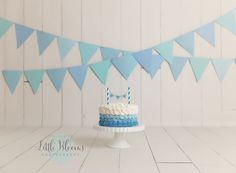 Blue and white birthday cake smash, simple, shades of blue, ombre cake, first birthday, boy Simple 1st Birthday Party Boy, White Birthday Cakes, Birthday Cake For Mom, Baby Boy First Birthday, Boy Birthday Parties, Husband Birthday, Birthday Ideas, Happy Birthday, Boy Birthday Pictures