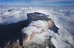 神的領域︰高原平頂特普伊山(委内瑞拉)