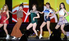 Photo album containing 22 pictures of Red Velvet South Korean Girls, Korean Girl Groups, Red Velvet Band, Coral Cake, Pops Concert, Neo Soul, Korean Bands, Incheon, Seulgi
