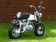 Mini Motorbike, Motorcross Bike, Motorcycle Bike, Vintage Honda Motorcycles, Honda Bikes, Custom Mini Bike, Custom Bikes, Bike Pic, Pocket Bike
