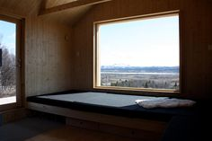 Vacation cabin in Norway by Aas/Thulow Cabin Design, House Design, Old Cabins, Built Ins, Farmhouse, Windows, Interior Design, Cool Stuff, Architecture