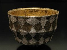 Masahiro Maeda - Chawan #pottery #Japanese_pottery #ceramics #Japanese_ceramics #cup #teacup #chawan #tea_bowl