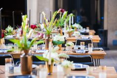 San Diego Museum Of Art wedding by LUXE Events, wedding reception details, table tops, centerpieces Photography by Sarah Zimmer Photography http://sarahzimmerphotography.com