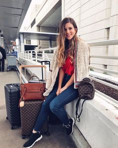Shop the Look from Michelle Madsen on ShopStylePARIS, here I comeeee 💃🏼 Curvy Fashion, Fashion Looks, Womens Fashion, Petite Fashion, Fall Fashion, Style Fashion, Louis Vuitton Suitcase, Airplane Outfits, Airport Style