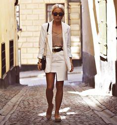 For the professional days White Fashion, Retro Fashion, Girl Fashion, Womens Fashion, Fashion Trends, Looks Style, Style Me, Hair Style, White Editorial