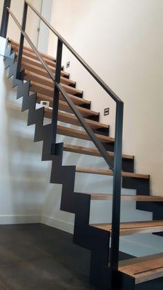Muizentrap eiken treden Metal Stair Railing, Staircase Railings, Normal House, Architecture, Construction, Interior Design, Marcel, Dairy, Home Decor