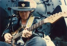 The life of blues-rock icon Stevie Ray Vaughan was under a microscope even before his tragic death in a helicopter accident in Four years prior, a Eric Clapton, Stevie Ray Vaughan Guitar, Wisconsin, Jimmie Vaughan, Dallas, Trailer Peliculas, Best Guitar Players, The Last Song, Blues Rock