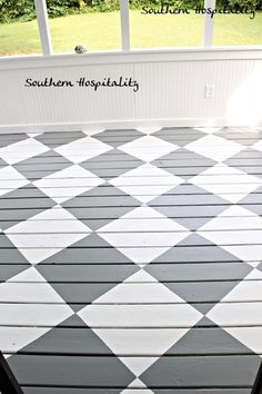 20 Brilliant Inspirations For - Beton Creatif Painted Porch Floors, Porch Paint, Porch Flooring, Painted Rug, Diy Flooring, Stencil Wood, Stencils, Porch Makeover, Stenciled Floor