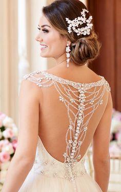Stella York Beaded Lace Wedding Dress With Sweetheart Neckline style 6309 e / http://www.deerpearlflowers.com/stella-york-fall-2016-wedding-dresses/
