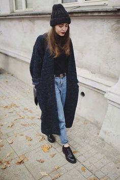 manteau-femme-style-street-urbain-automne-look-tenue-tendance coat-style woman-street-urban-autumn-look-held-trend Fashion Mode, Hipster Fashion, Look Fashion, Street Fashion, Womens Fashion, Indie Fashion, Winter Fashion Street Style, Fall Fashion, Fashion Trends