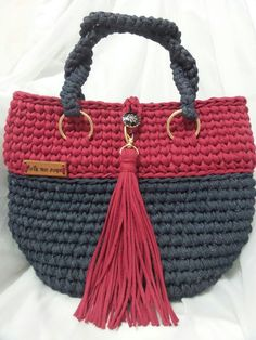 """New Cheap Bags. The location where building and construction meets style, beaded crochet is the act of using beads to decorate crocheted products. """"Crochet"""" is derived fro Crochet Clutch, Crochet Handbags, Crochet Purses, Crochet Bags, Knit Crochet, Crochet Shell Stitch, Yarn Bag, Knitting Accessories, Knitted Bags"""