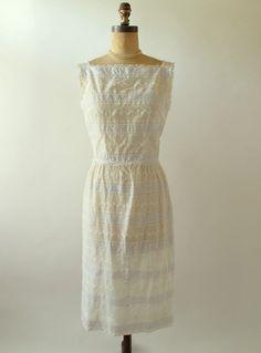Lovely pretty vintage dress