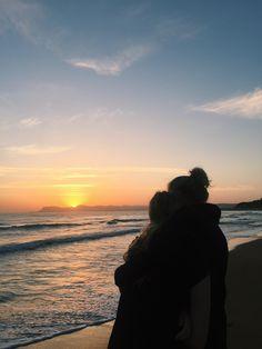 Sol uppgång stranden dating är Emily från hämnd dating Daniel