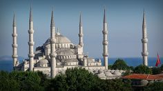 Why is Istanbul an attractive city for business?