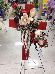 Magnolias and daisy rust remembrance cross for Father's Day Grave Flowers, Funeral Flowers, Creative Flower Arrangements, Floral Arrangements, Christmas Cross, Christmas Wreaths, Cemetary Decorations, Cross Wreath, Memorial Flowers