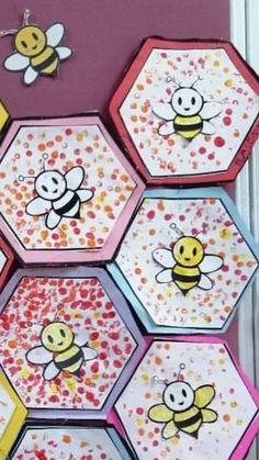 Children stamp (finger) the background and color the bee, bee gets head . - Children stamp (finger) the background and color the bee; Kids Crafts, Crafts For Kids To Make, Summer Crafts, Toddler Crafts, Art For Kids, Insect Crafts, Bug Crafts, Paper Crafts, Kindergarten Art