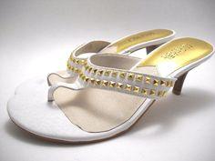 #Designer #MICHAELKORS #Alexi #Leather #Gold #KittenHeels #Heels #Sandals Size 7 $145MSRP #Mules