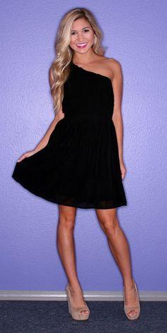 love one-shouldered dresses!