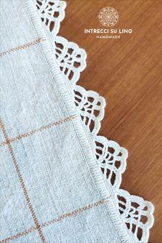 Crochet Headband Pattern, Crochet Fabric, Knit Or Crochet, Filet Crochet, Crochet Motif, Crochet Doilies, Baby Knitting Patterns, Knitting Stitches, Crochet Patterns