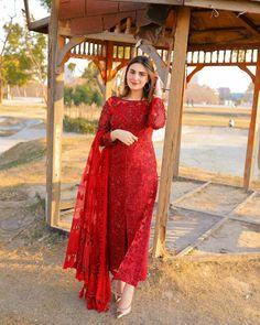 Beautiful Pakistani Dresses, Pakistani Dresses Casual, Indian Gowns Dresses, Indian Fashion Dresses, Pakistani Dress Design, Indian Designer Outfits, Designer Dresses, Stylish Dress Designs, Designs For Dresses
