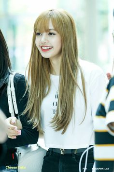 Find images and videos about rose, blackpink and lisa on We Heart It - the app to get lost in what you love. Kpop Girl Groups, Korean Girl Groups, Kpop Girls, Jennie Blackpink, Blackpink Lisa, Forever Young, Jenny Kim, Rapper, Kim Jisoo