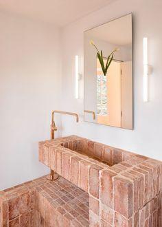 Interior Architecture, Interior And Exterior, Brick Interior, Interior Colors, Interior Plants, Modern Interior, Home Fashion, Beautiful Bathrooms, Bathroom Inspiration