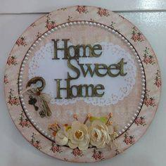 Placa de Porta Arteira Demais! Home Sweet Home 💛💛💛💛 #amoartesanato…
