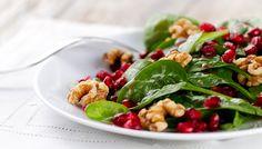 Salat mit Granatapfelkernen #salad #pomegranate #yummie #walnut #fotd #food #veggie