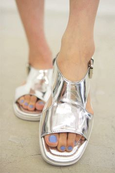metallic sandals with a summer highwaisted short! Silver Sandals, Silver Shoes, Ysl, Givenchy, Cinderella Shoes, Dior, Metal Fashion, Warm Weather Outfits, Metallic Sandals