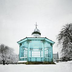 Splash of colour! Sheffield (photo by @ danouman on IG) Weston Park, I Love Snow, 40 Years Old, Sheffield, Color Splash, Cool Photos, England, Memories, Spaces