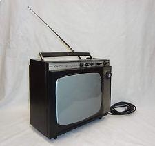 VINTAGE JUNOST  401Д  14''  RUSSIAN TV portable 230V / 12V VERY RARE