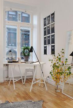 IKEA SPOTTED // VIKA AMON table top in white, VIKA LERBERG trestle in white, STAVE mirror in white